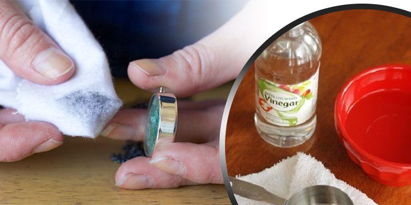 Vinegar antique cleaner